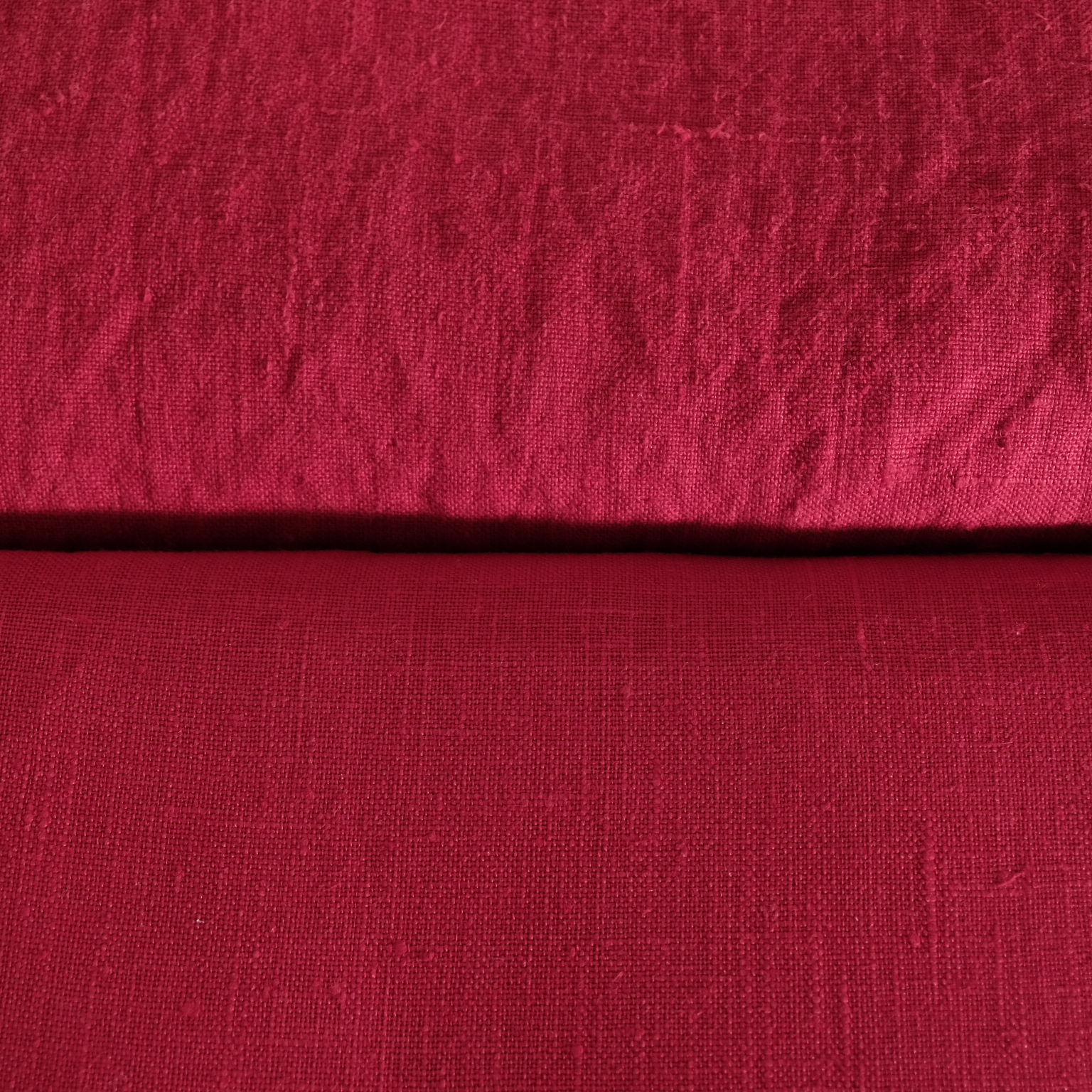Сравнение ткани с умягчением (вверху) и без умягчения (внизу)